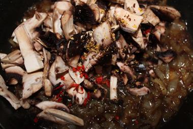 Chilli mushroom sauce with mustard seeds