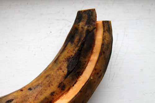 cutting plantain image